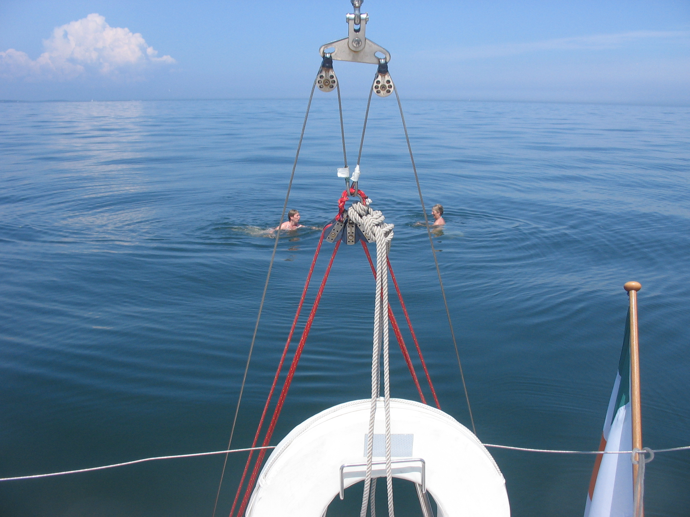 http://www.dinah.sail.ie/wp-content/uploads/2009/06/aileen-louise-swim.jpg
